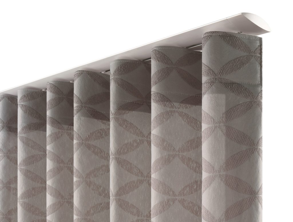 Tende tradizionali a soffitto parete o serramento su for Bastoni leroy merlin